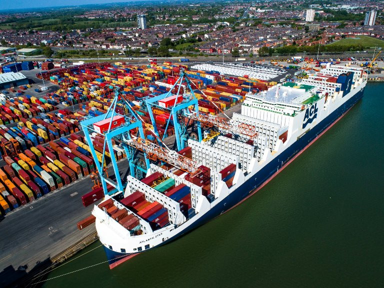 G4 con-ro ATLANTIC STAR in Liverpool; ACL is the port's longest-standing container customer
