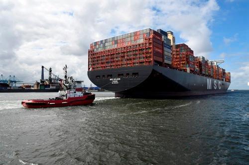 MSC GÜLSÜN making her maiden call in Rotterdam. (Photo: HbR)