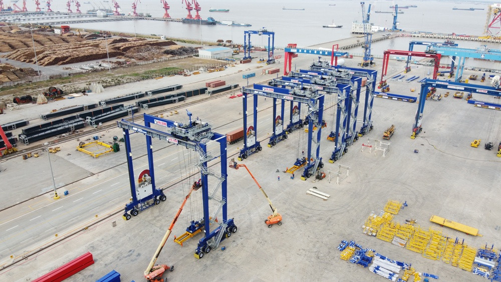 Kalmar RTGs for ABP Immingham nearing completion at Rainbow Cargotec