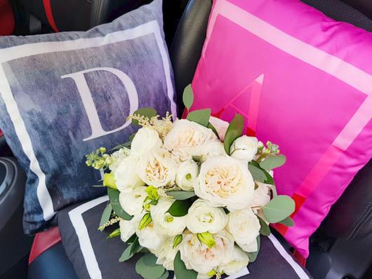 03157 (2) Bridal bouquet