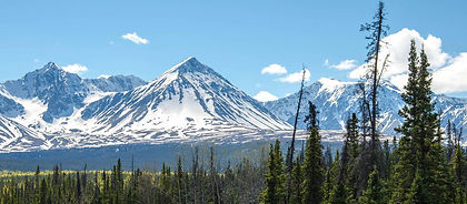 Hike through the stunning mountain scenery of Canada's Kluane National Park and enjoy an easy paddle on the famed Yukon River.