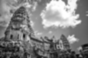 travel to the temples of Angkor Wat and Angkor Thom near Siem Reap and Phnom Penh in Cambodia