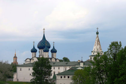 This adventure tour of Russia shows you the highlights and gives you a unique chance to interact with the wonderful Russian people.  From Moscow's Kremlin and Red Square you travel to the pretty village of Suzdal where you stay at a local home.   Next if Novgorod with its graceful Kremlin and the Cathedral of St Sophia, before you spend the final days of this tour of Russia in St. Petersburg.  Here you will have a tea party with a local family and  some free time to explore its many museums, palaces and churches.