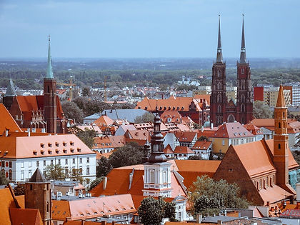 """Visit three splendid historical cities in Poland - the capital Warsaw, the """"Venice of Poland"""" Wroclaw and Krakow, showcasing Europe's best-preserved medieval market square.  This one-week tour of Poland shows you the highlights and has plenty of free time for your own discoveries."""