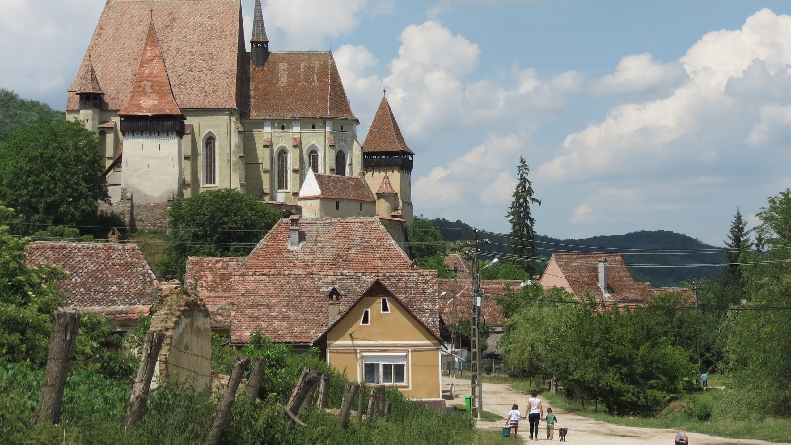 033 - Biertan fortified church