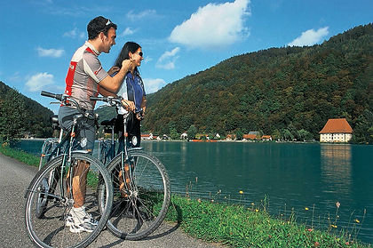 Cycle the beautiful Danube river as it wends its way through a pretty valley, deep woods and past historic towns, castles and abbeys to Vienna, the capital of Austria and once the seat of an imperial dynasty.