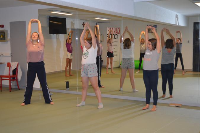 Dansles meisjes afd B-1-2 internaat