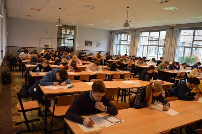 175 leerlingen testen zichzelf op de wiskunde olympiade
