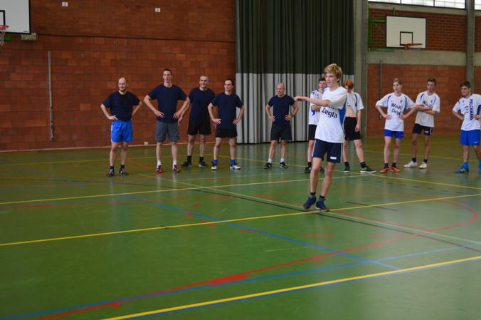 Zaalvoetbal leerlingen-leerkrachten