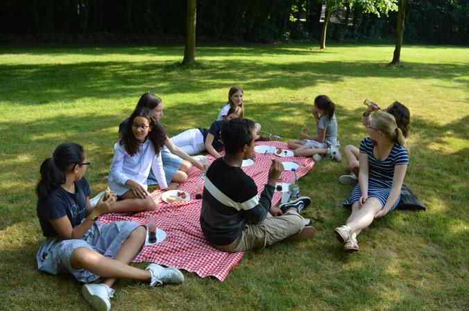 Het internaatsjaar afsluiten met een picknick