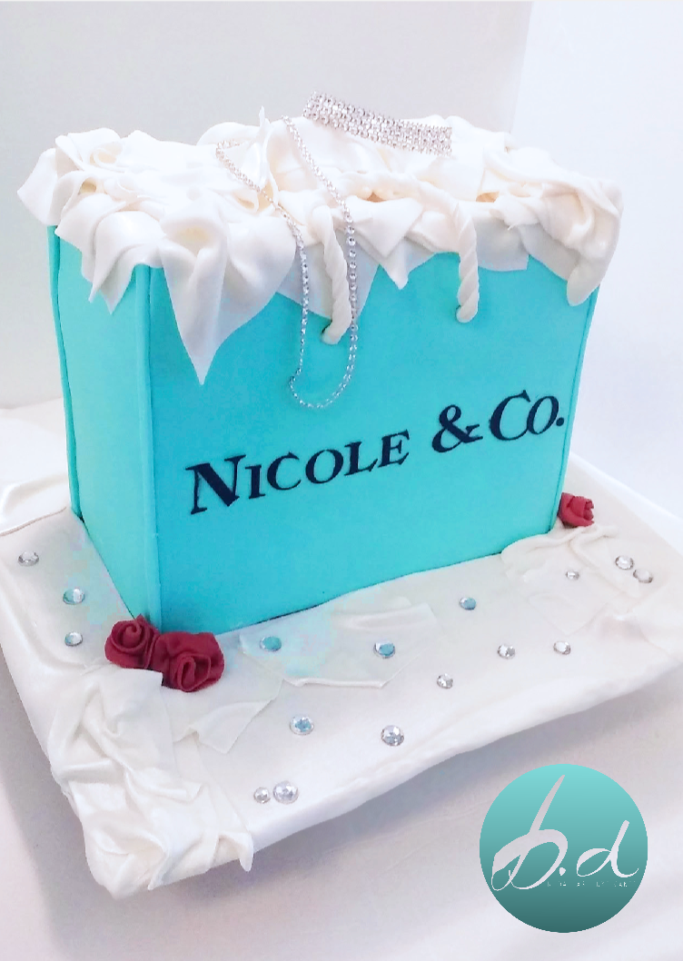TIFFANY & CO. SHOPPING BAG INSPIRED CAKE