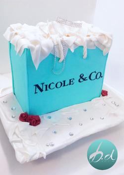 TIFFANY & CO. SHOPPING BAG INSPIRED CAKE