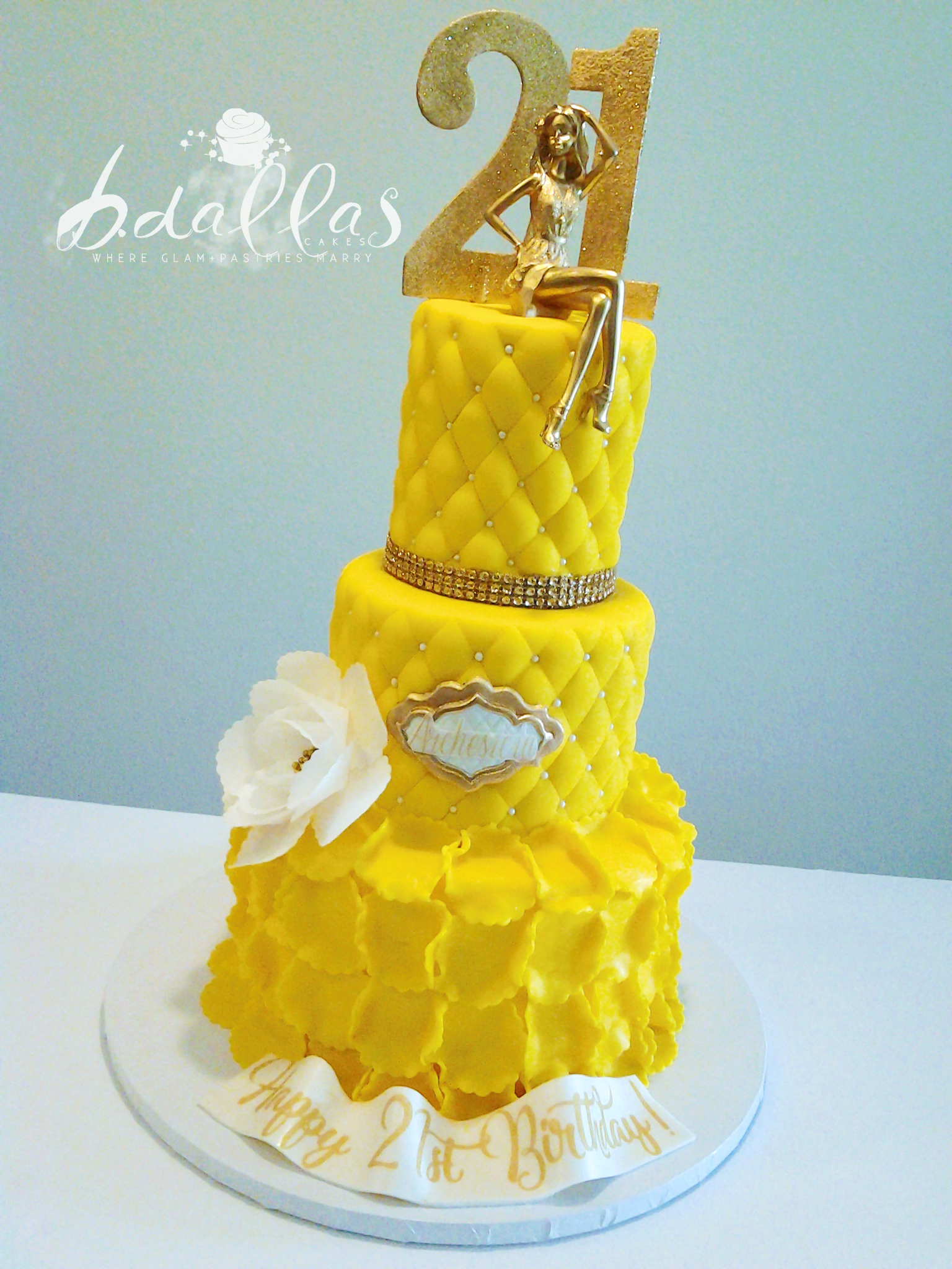 ELEGANT YELLOW CAKE