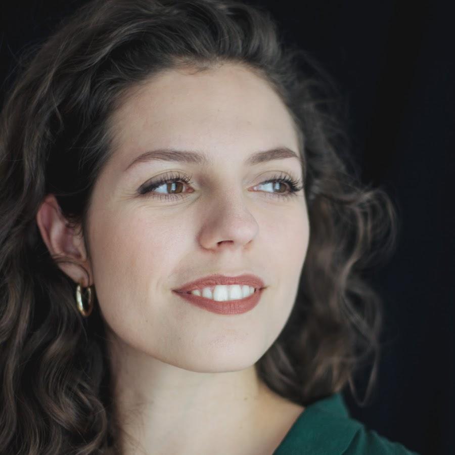 Zoe Albrecht, Sopran