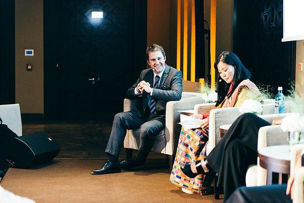 Philipp Bächstädt moderiert Patrizia Kin