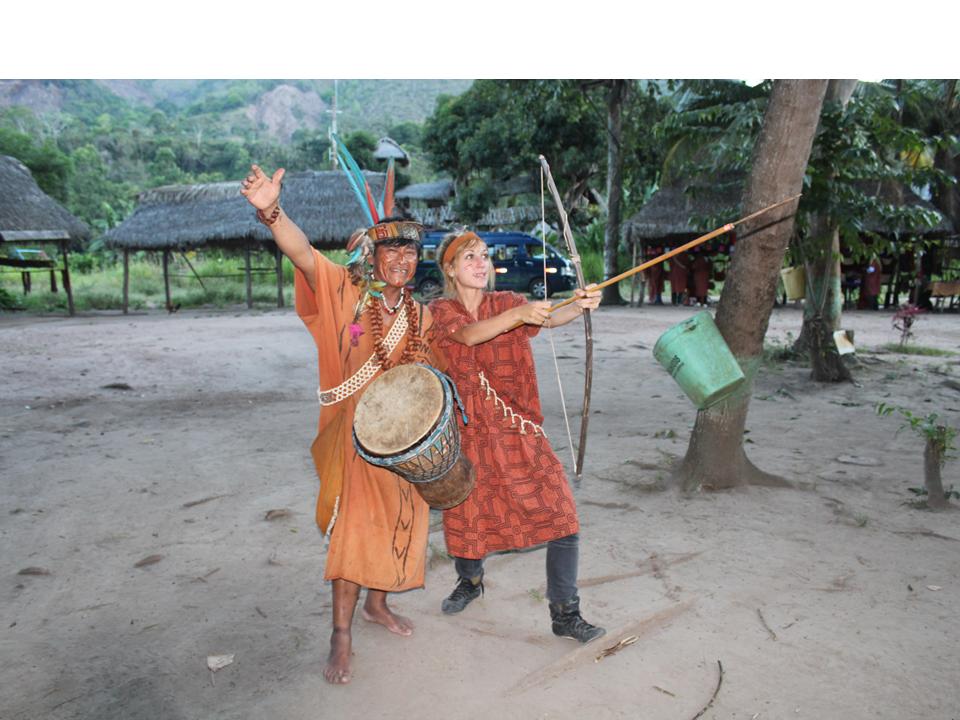 volunatria_visitando_la_selva_de_Peru__despues_del_trabajo_con_los_niños