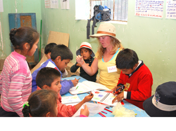 Rachel volunteer from US teaching english