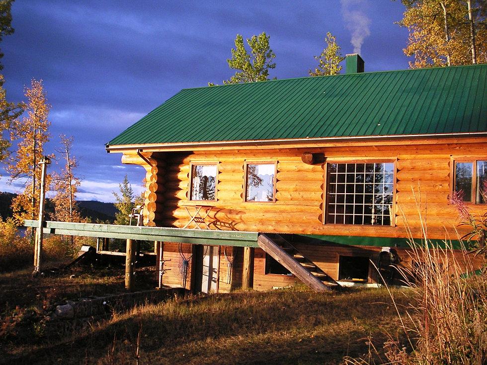 blockhaus in kanada urlaub blockhaus am see kanada francois lake. Black Bedroom Furniture Sets. Home Design Ideas