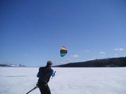 Freizeit auf dem zugefrorenen See