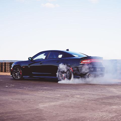 2019-dodge-charger-srt-hellcat-burn-tire