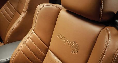 2019-Dodge-Charger-Hellcat-SRT-sepia-int