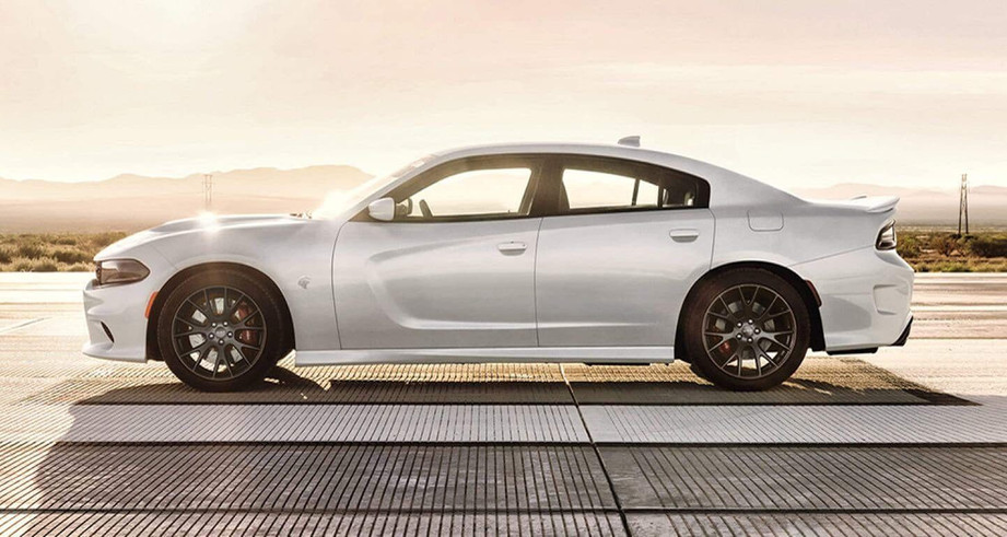 2019-Dodge-Charger-Hellcat-exterior-whit