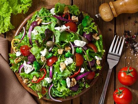 5 receitas de molhos saudáveis e deliciosos para saladas