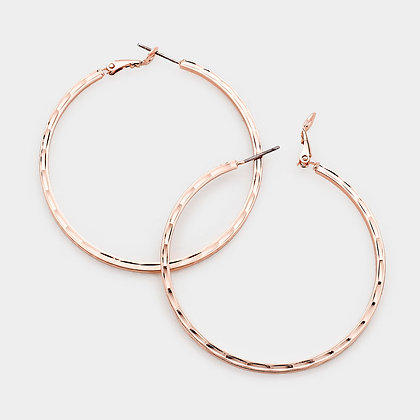 ​TEXTURED METAL HOOP EARRINGS - Rose Gold