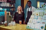 Dealer koffie bar jongen en meisje mini.