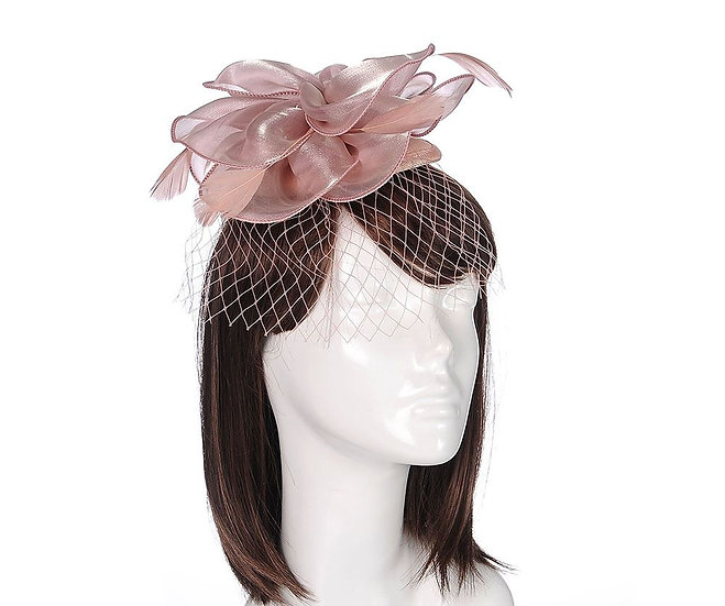 En-Vie™ jewellery A beautiful pink floral feather and net fascinator, for a stylish look.