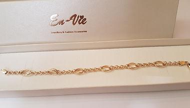 9ct Gold Boxed Bracelet.jpg