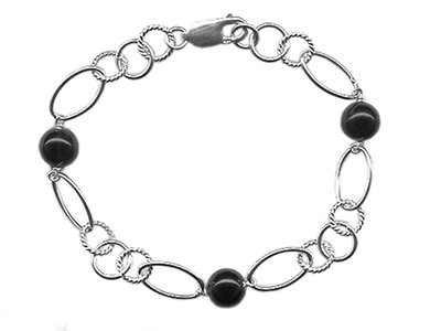 En vie Jewellery Sterling Silver & Black Onyx handmade Bracelet 19cm length, finished with lobster catch, 8.5mm