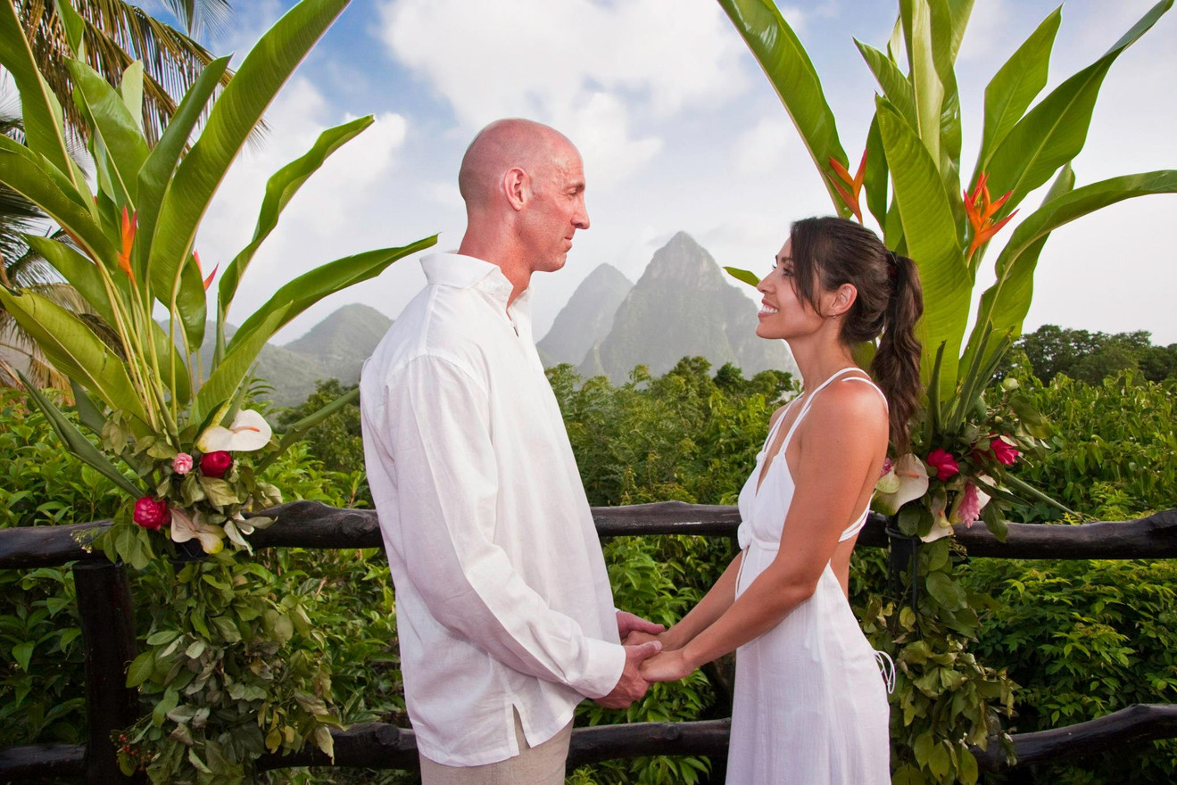 Tropical weddings with magnificent backdrops