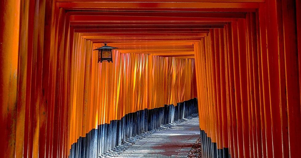 fushimi-inari-shrine-1886975_1920_edited