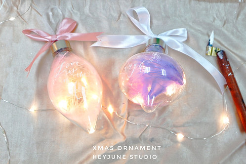 ORNAMENTS WITH LIGHT