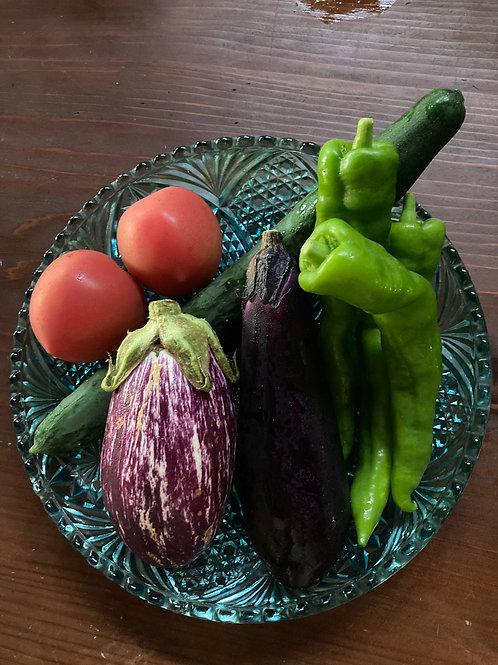炭素循環農法の夏旬野菜ゼブラ茄子、お茄子、トマト、万願寺獅子唐、胡瓜、枝豆成りものセット無農薬無化学・動物性堆肥不使用