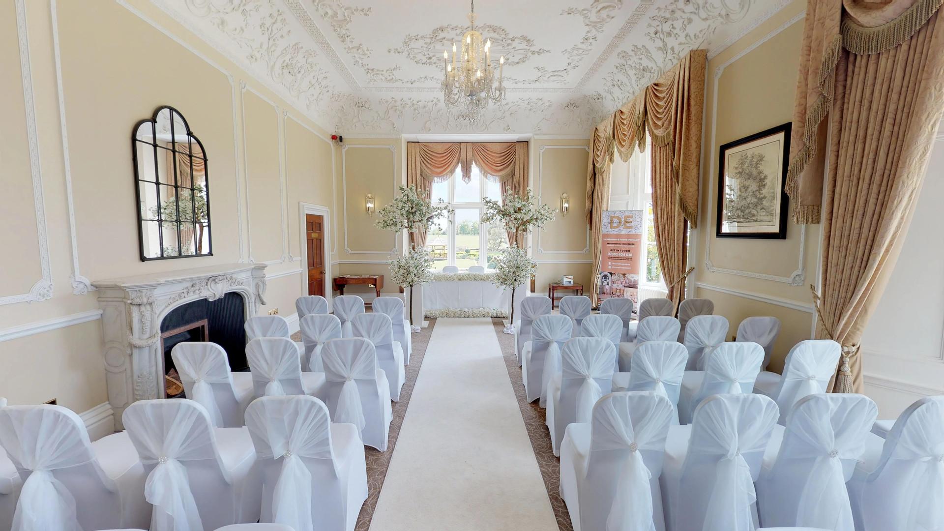 Wivenhoe-House-Hotel-Ceremony-Entrance.j