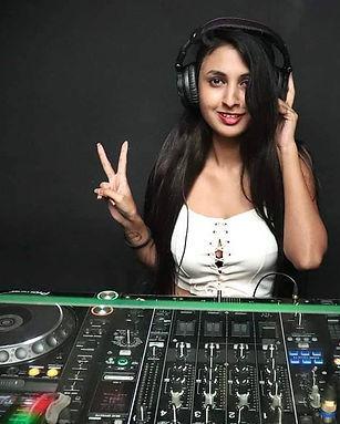 DJ Sarah Fernandes.jpg