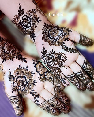 Chandbi Mehendi Artist.jpg