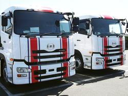 大型トラック.png