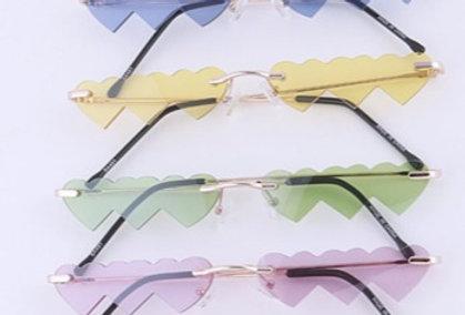 Iconic Heart Cutout Color Tint Sunglasses Set