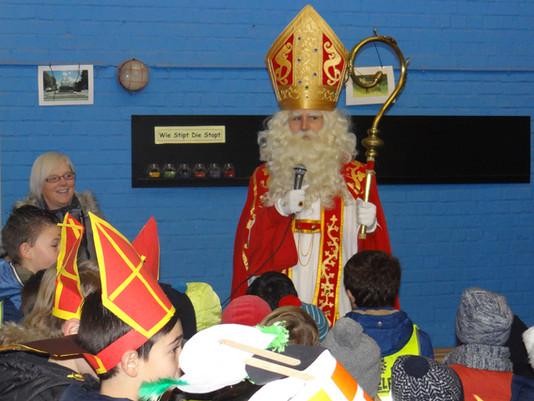 Sinterklaas in de combi
