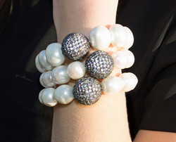 Pearl bracelet assortment
