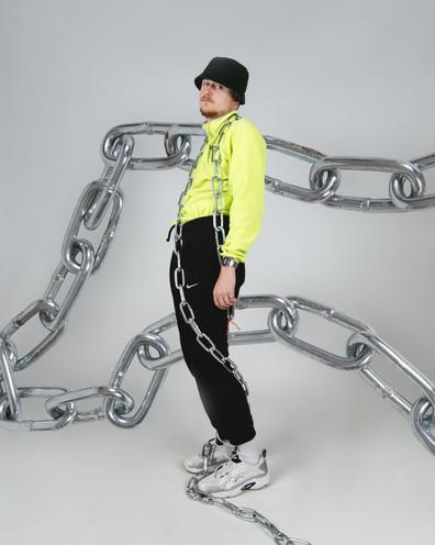 chains 1.jpg