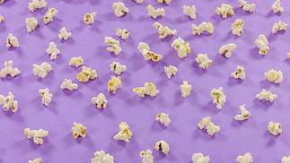 popcorn-pattern-rotates-yellow-backgroun