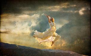 Donna Domini Flying 2.jpg