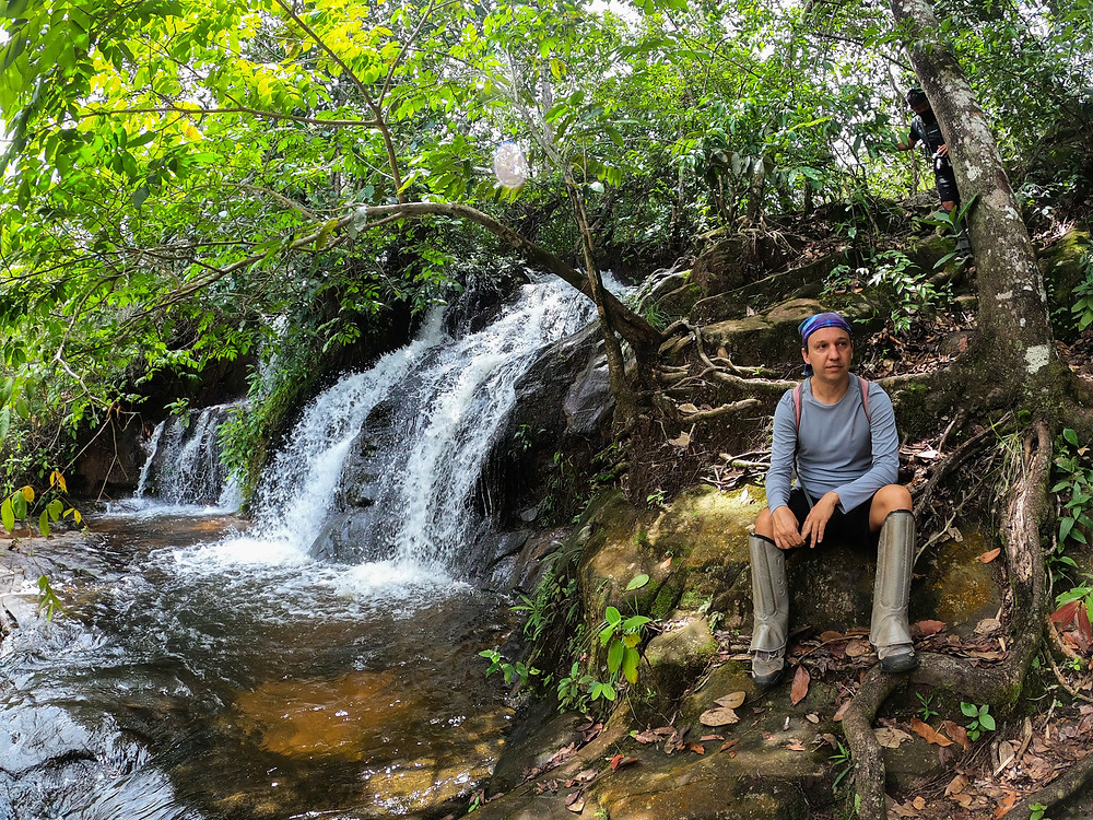 Ralph Roncador Expedições durante trilha no Parque Estadual da Serra Azul