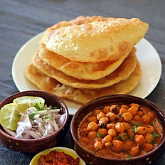 Amritsari Chole Bhature