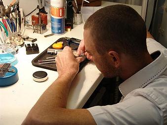 Atelier de reparation et transformation de bijoux Bijouteries Bouju