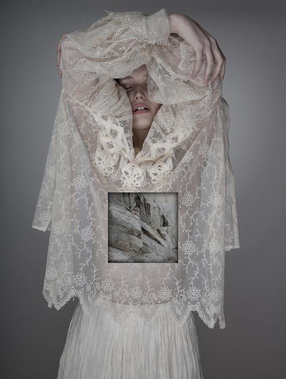 Matteo Basilé, Alice's mirror, 2018, 50 x 35 cm, unique piece